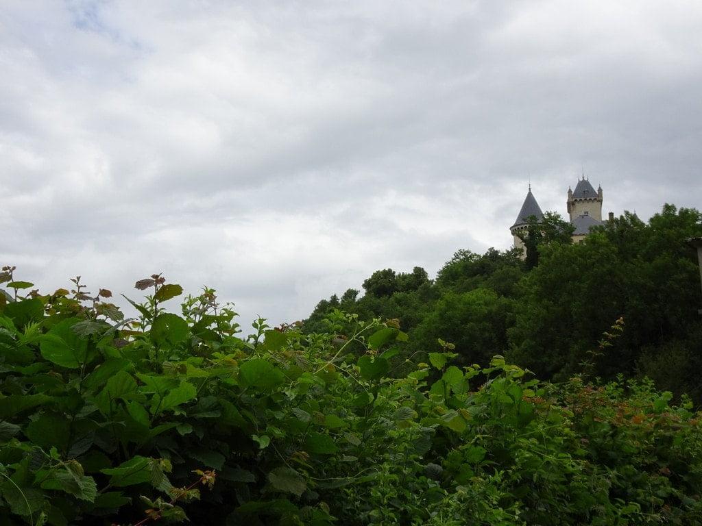 Château au-dessus de St julien (Sissieu)