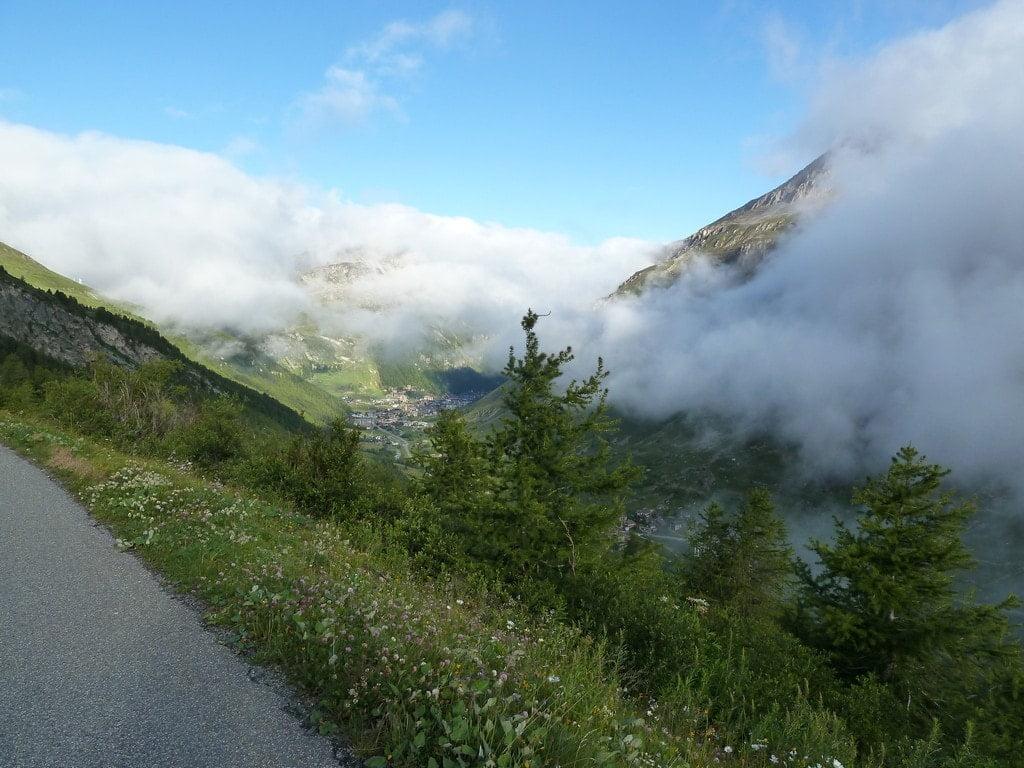 Descente du Col de l'Iseran sur Val d'Isère